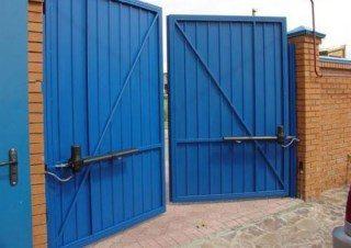 Фото процесса производства Промышленные распашные ворота в Волгограде