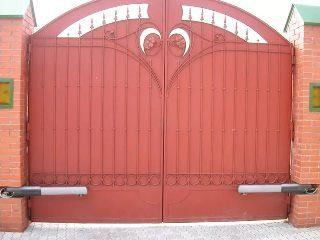 Металлические распашные ворота в Волгограде